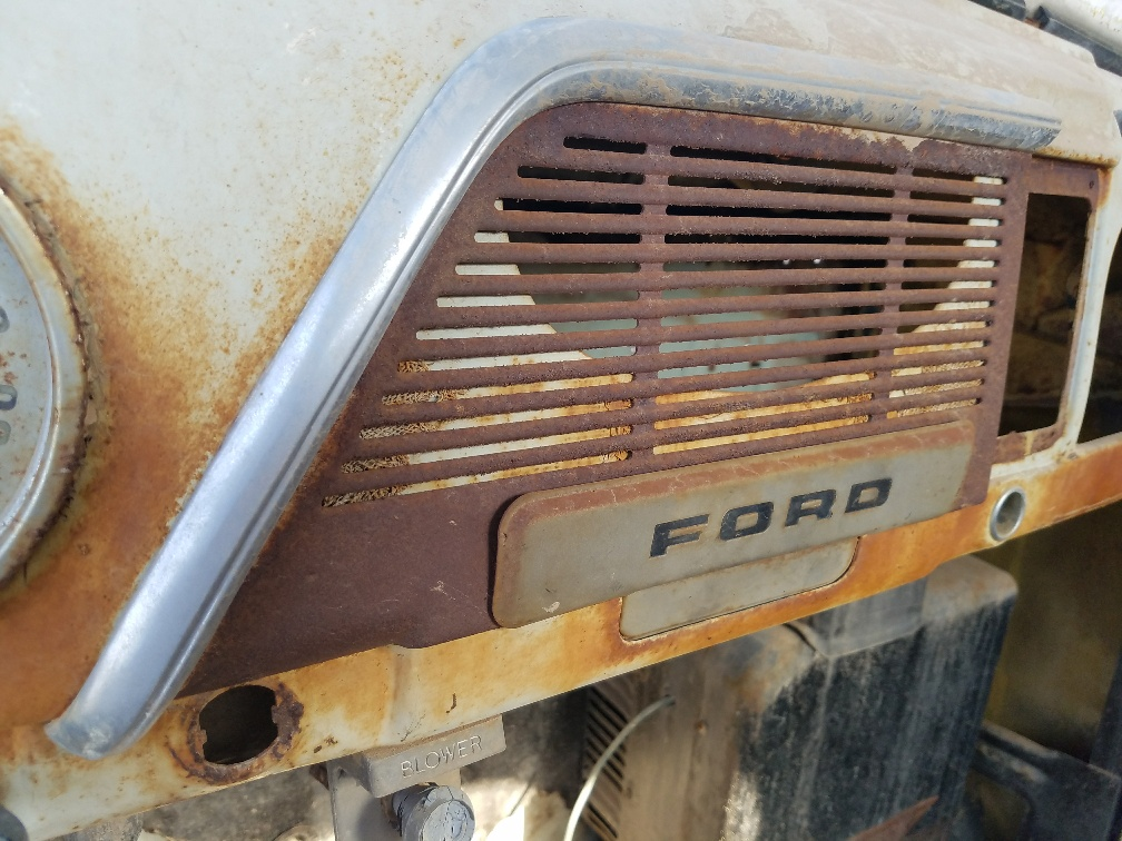 1951~52 Ford Pickup Truck Dash Speaker Grille Trim Molding Stainless w//Clip 3202